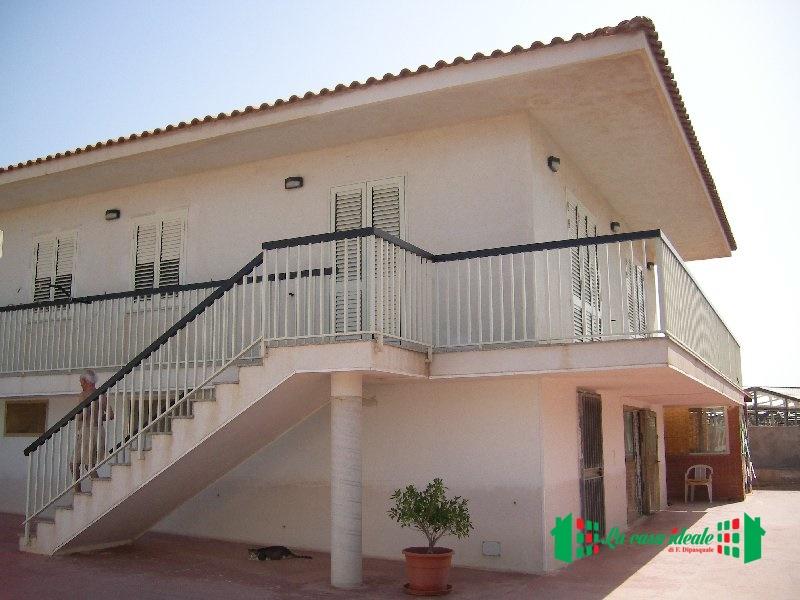 Soluzione Semindipendente in vendita a Ragusa, 6 locali, prezzo € 160.000 | Cambio Casa.it