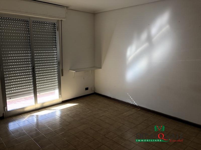 Appartamento in affitto a Ragusa, 6 locali, prezzo € 500 | CambioCasa.it