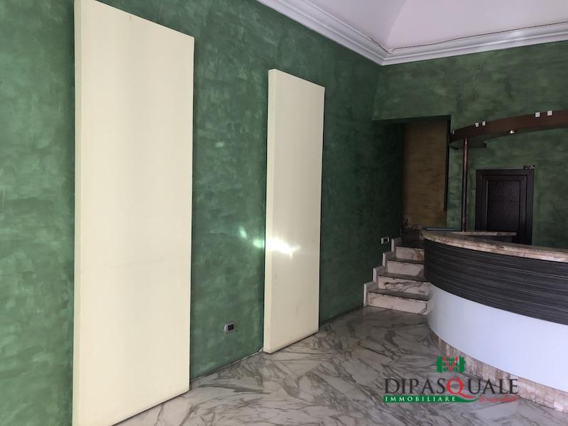 Ufficio / Studio in affitto a Ragusa, 4 locali, prezzo € 800 | CambioCasa.it